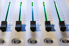 смешивать пульта тип нот s смесителя оборудования dj ядровый Стоковое Изображение RF