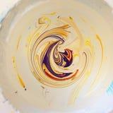 смешивая краски Стоковые Фотографии RF