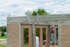 Смешивая цемент для строить Стоковое Изображение RF