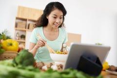 Смешивая vegetable салат Стоковое Фото