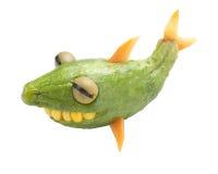 Смешная акула сделанная из огурца Стоковое Изображение