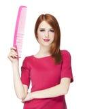 Смешная девушка redhead с большим гребнем. стоковое фото
