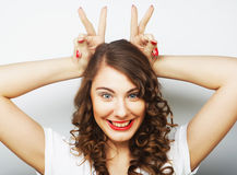 Смешная женщина делая знак руки Стоковые Фотографии RF