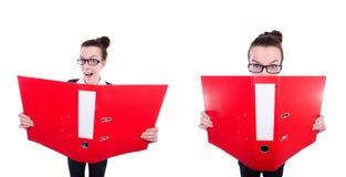 Смешная коммерсантка с красной папкой на белизне Стоковое фото RF