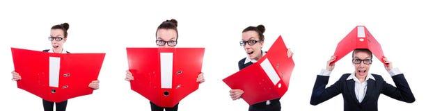 Смешная коммерсантка с красной папкой на белизне Стоковое Фото