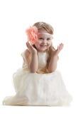 Смешная маленькая девочка в длиннем платье стоковое фото rf