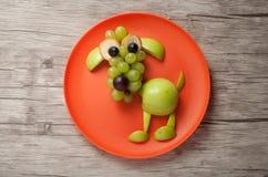 Смешная собака сделанная из плодоовощей Стоковая Фотография RF