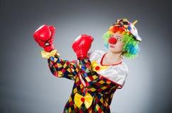 Смешной клоун с перчатками бокса Стоковое Изображение