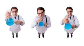 Смешной доктор при голубая жидкость изолированная на белизне Стоковое Изображение