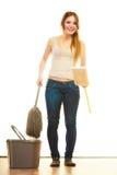 Смешной пол женщины чистки mopping Стоковое Изображение RF