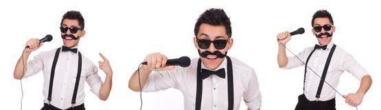 Смешной человек при mic изолированный на белизне стоковые изображения