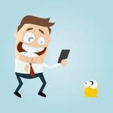 Смешной человек собирая виртуальную тварь с его smartphone иллюстрация вектора