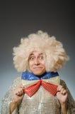 Смешной человек с афро париком Стоковые Изображения RF