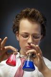 Смешной эмоциональный химик с стоковое фото