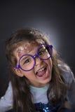 Смешные 4 года девушки делая стороны Стоковое фото RF