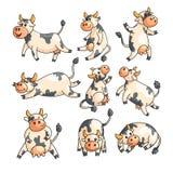 Смешные запятнанные коровы с различными эмоциями в различных представлениях изолированные на белизне бесплатная иллюстрация