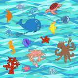 Смешные рыбы Doodle шаржа, осьминог, раковина, Calmar, морская звёзда, медузы, иллюстрация вектора рыб бесплатная иллюстрация