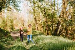 2 смешных дет играя совместно Стоковые Изображения RF