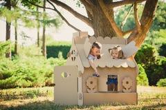 2 смешных дет играют Стоковое фото RF