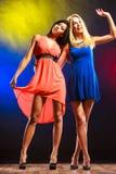 2 смешных женщины в платьях Стоковое Изображение