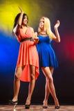 2 смешных женщины в платьях Стоковая Фотография RF