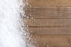 Смещение снега на деревянные доски с пустым пространством или комнатой Стоковые Изображения