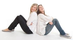 Смеясь над женские друзья Стоковая Фотография RF