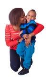 Смеяться над мати и сынка стоковая фотография