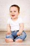 смеяться над ребёнка счастливый Стоковые Фотографии RF