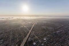 Смог и туман Лос-Анджелеса вдоль скоростного шоссе 405 Стоковое Изображение RF
