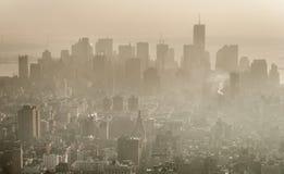 Смог над Манхаттаном, Нью-Йорком Стоковые Фотографии RF