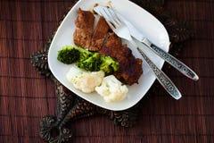 смогл расстегай еды домодельный Мясо испаренное с цветной капустой и Стоковое Изображение