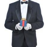 смокинг человека подарка Стоковая Фотография RF