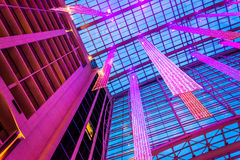 Смотреть вверх на потолке и много рассказов нации Gaylord Стоковые Изображения RF