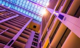 Смотреть вверх на потолке и много рассказов нации Gaylord Стоковое Изображение RF