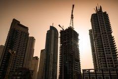 Смотреть вверх на част-построенных небоскребах Стоковые Изображения RF