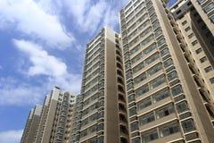 Смотреть вверх новое indemnificatory снабжение жилищем для малообеспеченных людей Стоковое Фото