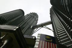 Смотреть до башня Petronas Стоковое фото RF