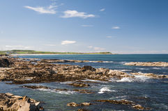 Смотреть через залив Boyndie стоковая фотография rf