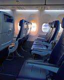 Смотреть через строку пустых мест самолета Стоковое Изображение