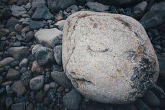 смотрите на камень стоковое изображение