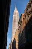 Смотрящ вверх на Эмпайре Стейте Билдинге, Нью-Йорк Стоковое фото RF
