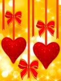 смычки вися прочитанные сердца Стоковые Фотографии RF