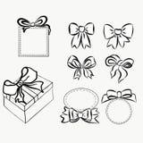 Смычки подарка эскиза Элементы нарисованные рукой графические для вашего дизайна смычки и ленты комплекта для того чтобы украсить иллюстрация штока