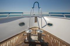 Смычок роскошной яхты мотора Стоковое Фото