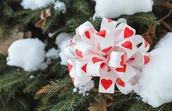 Смычок с сердцами как украшение рождества Стоковое фото RF