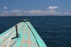 Смычок шлюпки в море Ява Стоковое Изображение