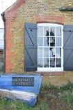 Смычок шлюпки компании Whitstable Oyser стоковые фотографии rf