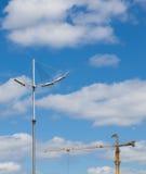Снабжение жилищем города строения крана конструкции незаконченное Стоковые Фотографии RF