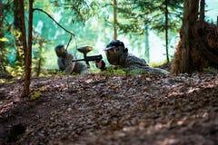 Снайпер пейнтбола готовый для снимать Стоковое Изображение RF